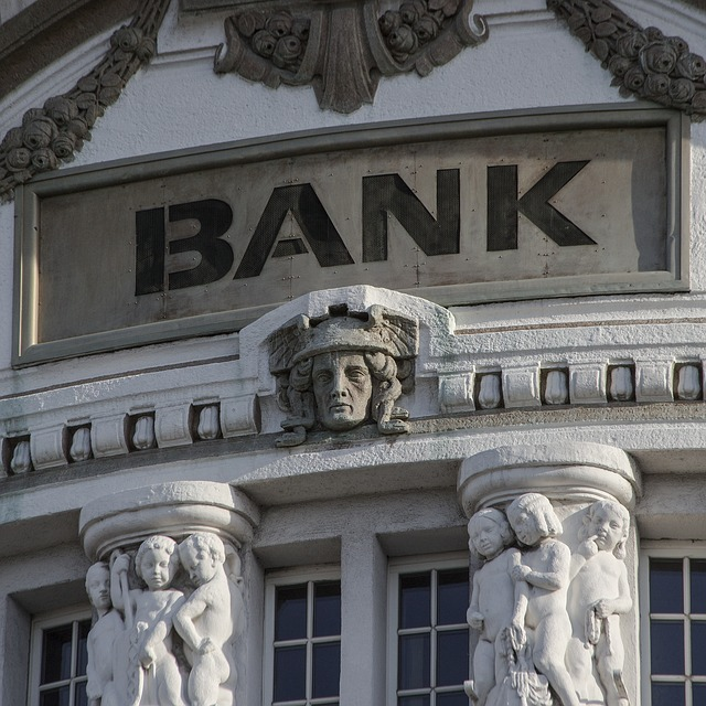 ad agencies are not banks for clients